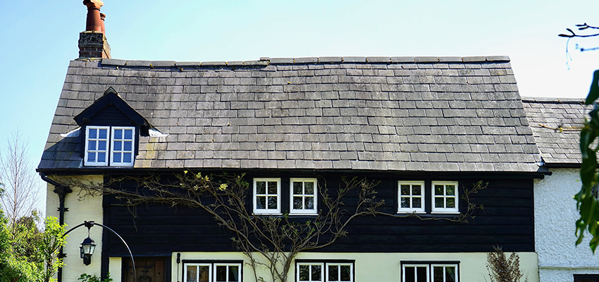 What Accreditations Should A Roofing Company Have?