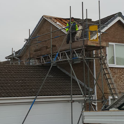 How to Spot Cowboy Roofers: 4 Tell-Tale Signs