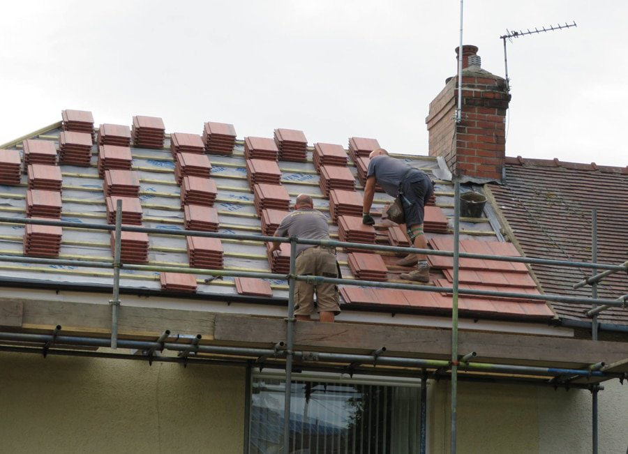 Installing-New-Roof-in-Barnsley